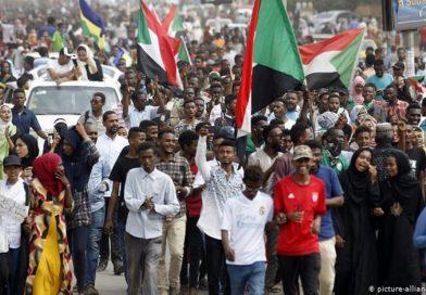 السودان بين الحمم البركانية والرقص على الحبل